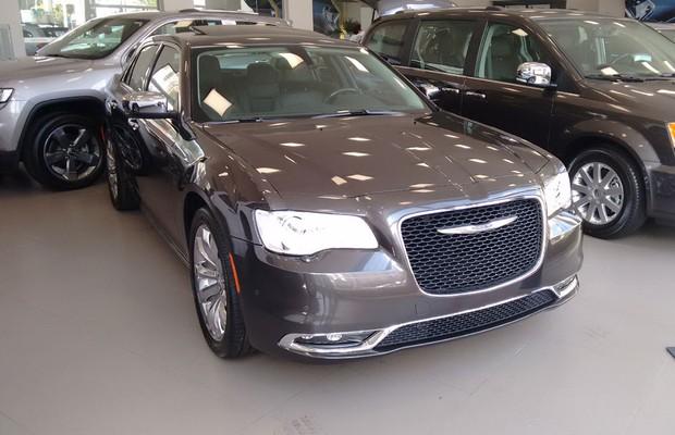 Chrysler 300C (Foto: Divulgação)