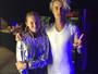Justin Bieber volta a fazer 'Meet & Greet' VIP e posa com fã em show