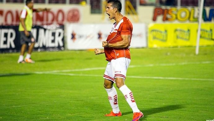 Hiago inicia virada do Sergipe contra o Boca (Foto: Ricardo Espinheira)