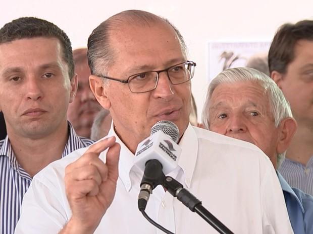 Governador Geraldo Alckmin durante visita no noroeste paulista (Foto: Reprodução/TV TEM)