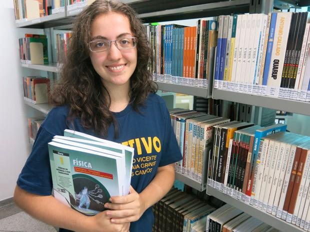 Denise Sacramento Christovam mora e estuda em Santos (Foto: Mariane Rossi/G1)