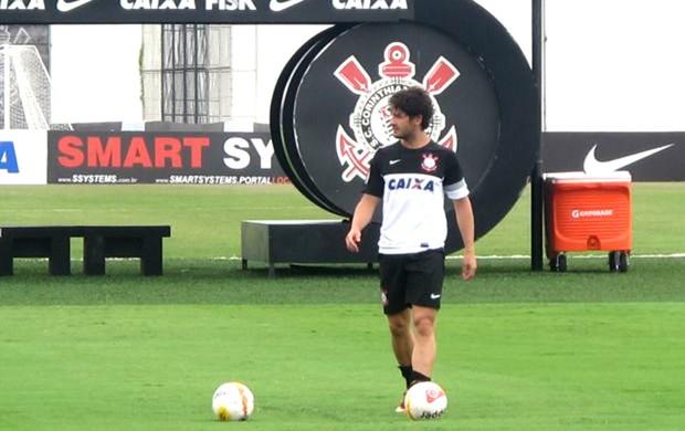Pato no treino do Corinthians (Foto: Diego Ribeiro)