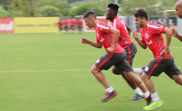Alex treino do Inter (Foto: Diego Guichard/GloboEsporte.com)