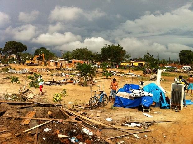 Cerca de cem famílias ocupavam o local de forma irregular (Foto: Girlene Girlene/G1AM)