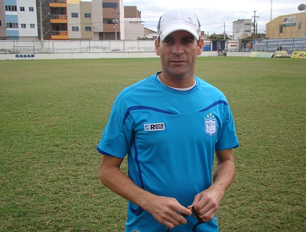 Técnico Ercik Gaúcho, continua no Ypiranga para o certame 2014  (Foto: Vital Florêncio / GloboEsporte.com)