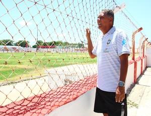 Joãozinho Paulista, ídolo do Clube de Regatas Brasil (Foto: Jonathan Lins/G1)