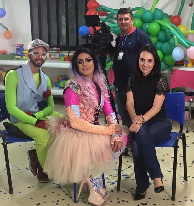 Neyara Pinheiro e Fernando Cardoso gravaram a reportagem para o Fantástico (Foto: TV Clube)