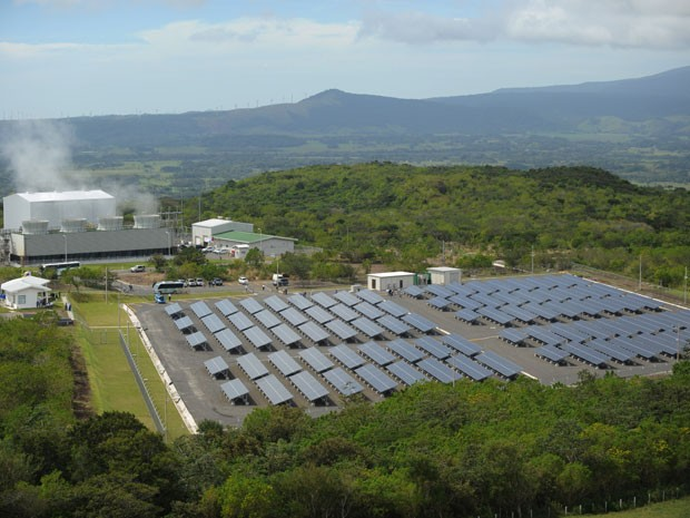 Parque Solar Miravalles, na Costa Rica (Foto: Rodrigo Arangua/AFP)