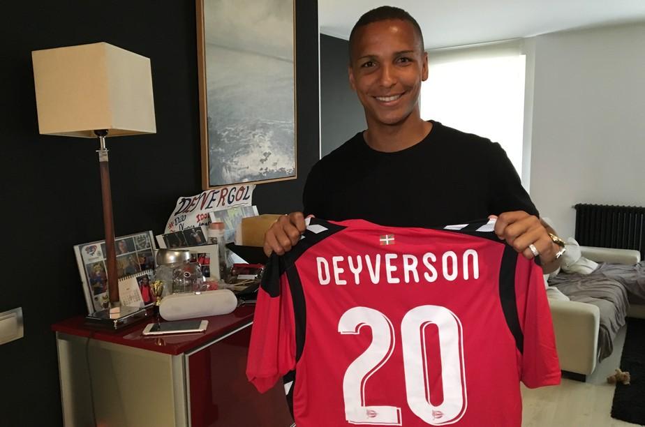 Conheça Deyverson, o brasileiro que quer atrapalhar (de novo) a vida do Barça