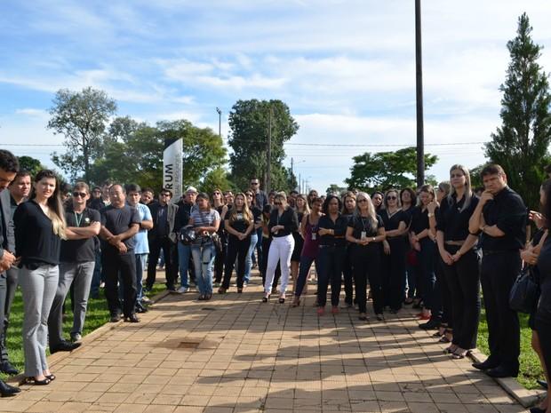 Magistrados de RO e comerciantes s euniram em ato a favor da Operação Lava Jato em Vilhena, RO, na manhã desta quinta-feira (17). (Foto: Eliete Marques/G1)
