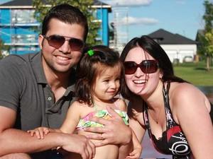 Rafaela Andrade e a filha de dois anos foram morreram em um acidente de carro em Saskatchewan, no Canadá (Foto: Facebook/Reprodução)
