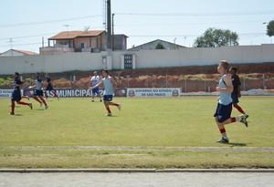 Equipe sub-20 do Ecus em treino (Foto: Thayana Alvarenga)