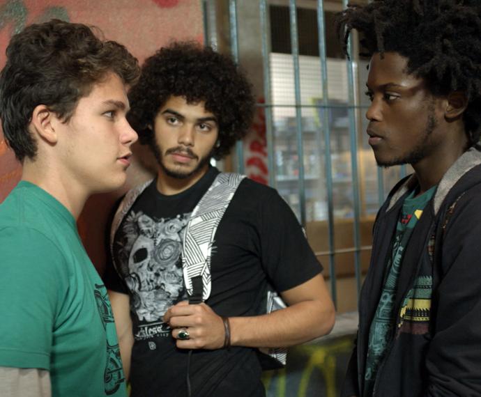 Artur conta o verdadeiro motivo do roxo (Foto: TV Globo)