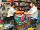 Nove lojas são multadas por vender material escolar irregular, em Manaus