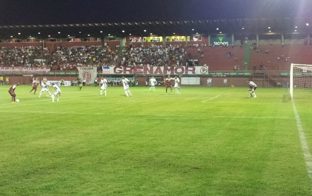 Desportiva Ferroviária x Real Noroeste (Foto: Eduardo Dias/Globoesporte.com)