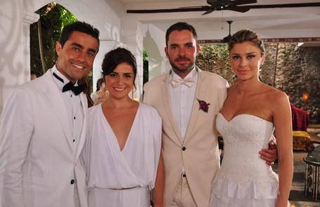 Ricardo Pereira, Giovanna Antonelli, Grazi Massafera, e Manolo Cardona gravaram 'Aquele beijo' na Colômbia TV Globo