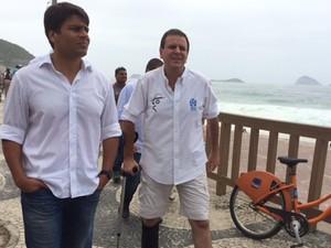 Eduardo Paes participa da inauguração da ciclovia Niemeyer (Foto: Matheus Rodrigues/G1 Rio)