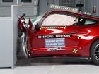 Camaro, Mustang e Challenger passam por testes de colisão