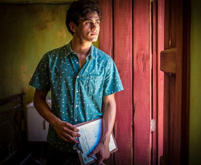 Lucas procura por Olívia e diz que assunto é urgente (Foto: Inácio Moraes/ Gshow)