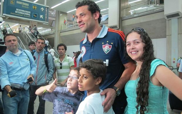 Fred no desembarque do Fluminense  (Foto: Rafael Cavalieri / Globoesporte.com)