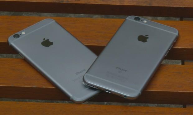 Irmãos gêmeos? iPhone 6S, à direita, só se diferencia da geração anterior pelo 'S' na traseira (Foto: G1)