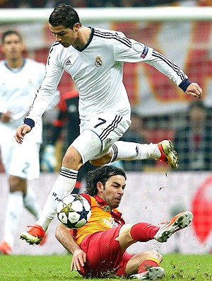Cristiano Ronaldo jogo Galatasaray Real Madrid (Foto: Reuters)