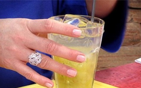 Líquido e Certo: receita de drinque sem álcool feito com uva e água de coco