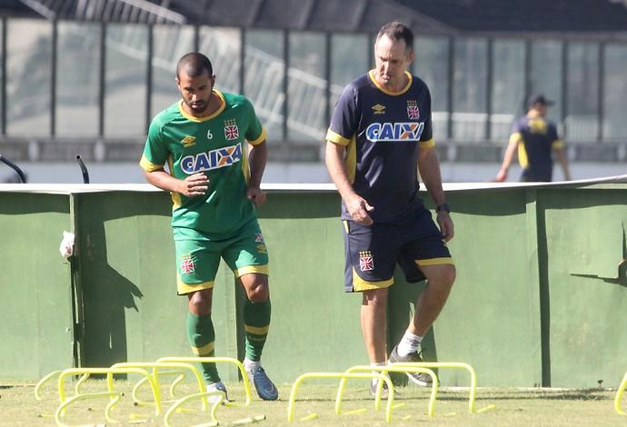 julio cesar vasco treino (Foto: Paulo Fernandes / Vasco.com.br)