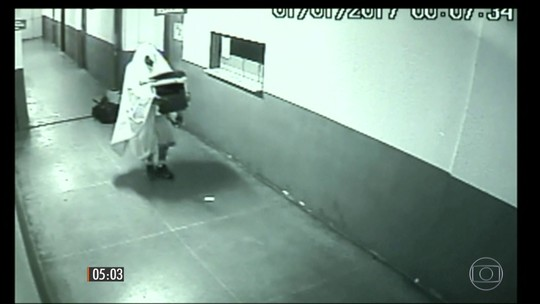 Polícia prende homens que usavam fantasias de fantasma para furtar