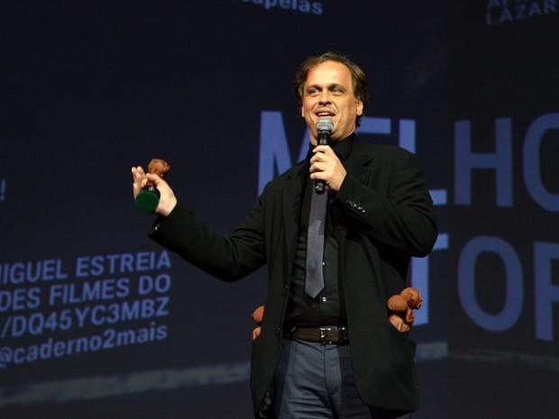 Guilherme Fontes, diretor de 'Chatô', segundo mais premiado da noite (Foto: Cristina Granato/Divulgação)