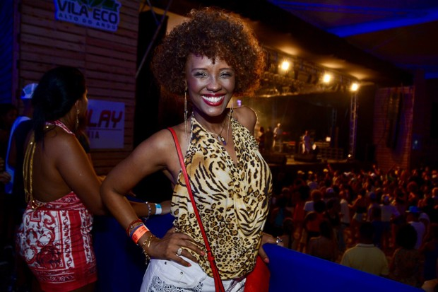 Isabel Fillardis em show em Salvador, na Bahia (Foto: André Carvalho/ Ag. Haack)
