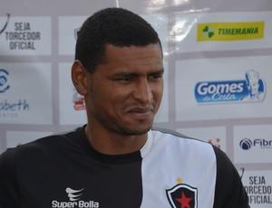 andré lima, zagueiro do Botafogo-pb, Botafogo-PB (Foto: Lucas Barros / GloboEsporte.com/pb)
