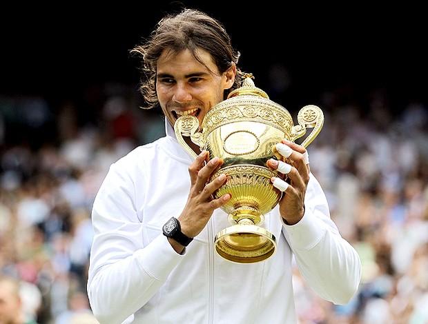 Rafael Nadal Wimbledon troféu final tênis (Foto: Reuters)