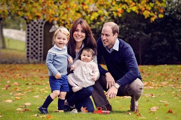 Família real: Kate Middleton, príncipe William, George e Charlotte  (Foto: Reprodução/Instagram)