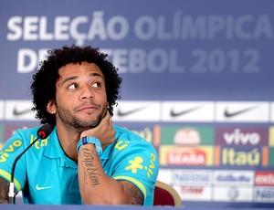 Marcelo na coletiva da seleção brasileira (Foto: Mowa Press)