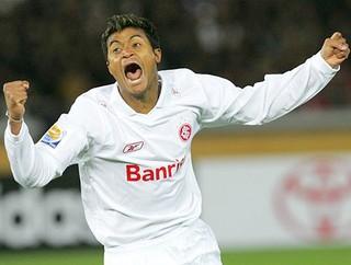 Adriano Gabiru Internacional arquivo (Foto: AP)