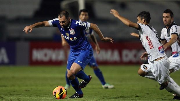 Danilo Ponte Preta x Corinthians (Foto: Marcos Ribolli)
