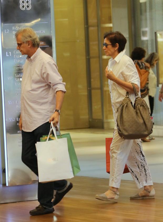Lilia Cabral e o marido (Foto: Agnews)