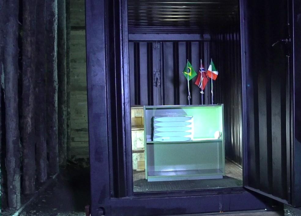 Documentos digitalizados do Brasil foram colocados dentro do container biblioteca (Foto: Arquivo Nacional/Divulgação)