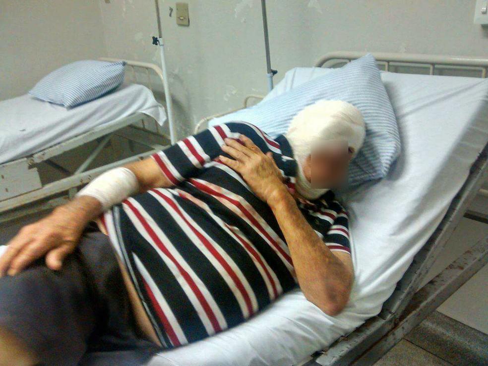 Idoso passou por cirurgia após briga de vizinhos em Piratininga (Foto: Arquivo Pessoal)