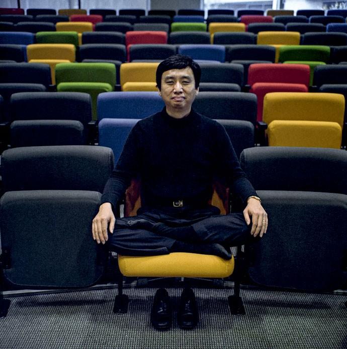 Dinastia Meng: O guru informal do Google,  Chade-Meng Tan, já levou a paz a mais de mil funcionários da empresa (Foto: Peter DaSilva/ The New York Times)