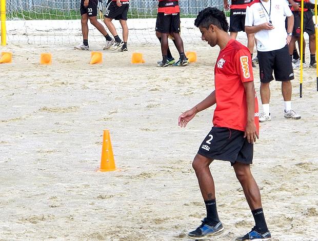 Léo Moura no treino do Flamengo (Foto: Janir Junior / Globoesporte.com)