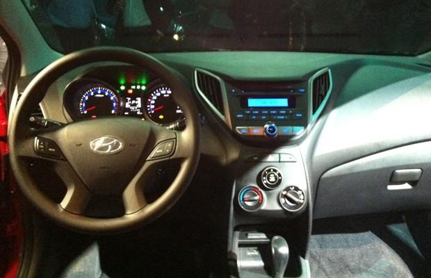 Hyundai HB20 tem interior inspirado nos modelos mais sofisticados da marca  (Foto: Luciana de Oliveira / G1)