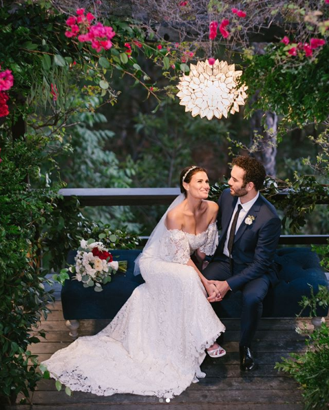 Idina Menzel e Aaron Lohr se casam (Foto: Reprodução/Instagram)