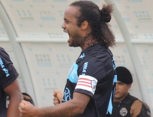 Celsinho comemora gol do Londrina no campeonato paranaense (Foto: Pedro A. Rampazzo/Site oficial do Londrina)