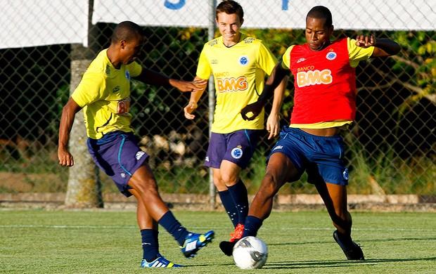 Dedé treino Cruzeiro (Foto: Washington Alves / Vipcomm)