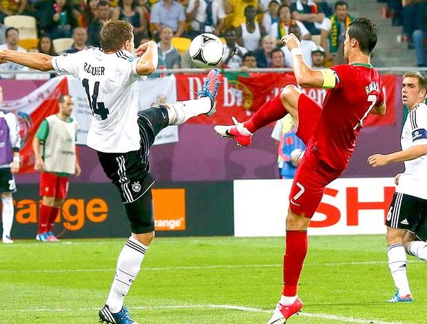 Cristiano Ronaldo na partida de Portugal contra a Alemanha (Foto: Reuters)