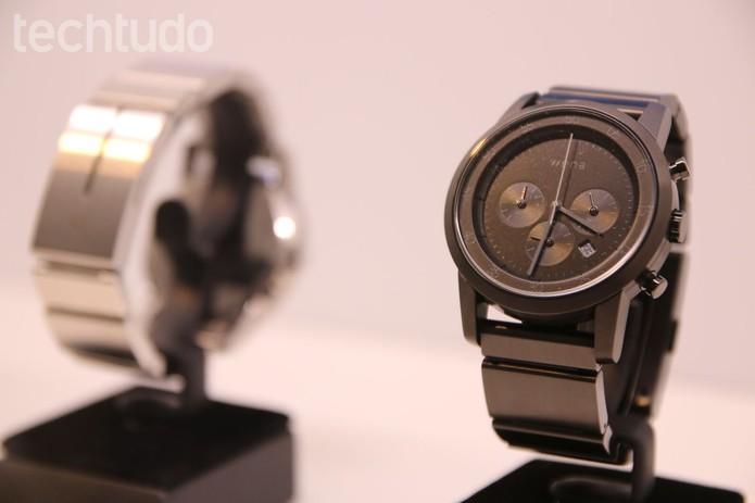 Smartwatch Wena combina funções inteligentes com design tradicional (Foto: Fabrício Vitorino/TechTudo)