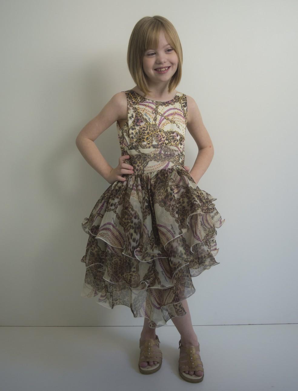 Vitória tem sete anos e diz se sentir uma princesa quando fotografa (Foto: Bárbara Oliveira/Gallvão Model/Divulgação)