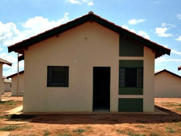 Casa, com 36 metros quadrados, tem dois quartos, sala, cozinha e banheiro (Foto: Laureane Schimidt/ TV Morena)